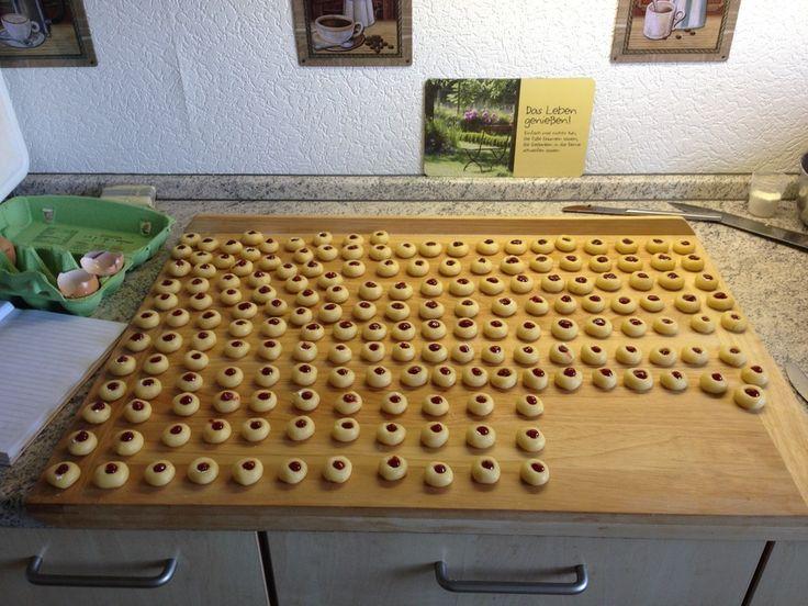 Marzipanbällchen mit Himbeergelee – Füllung