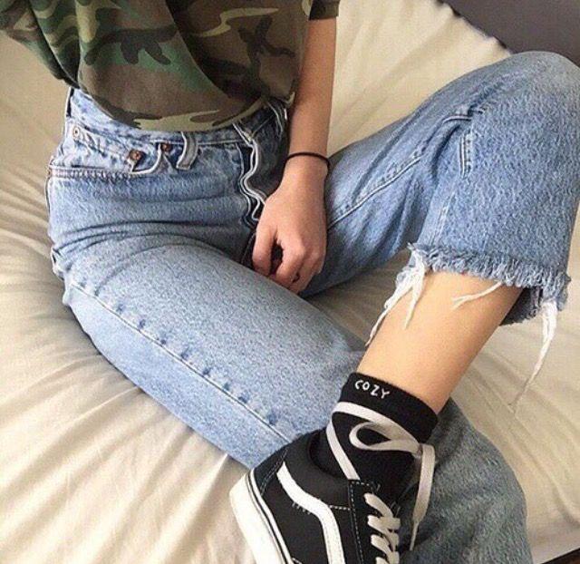 Vans, jeans, tumblr girl.