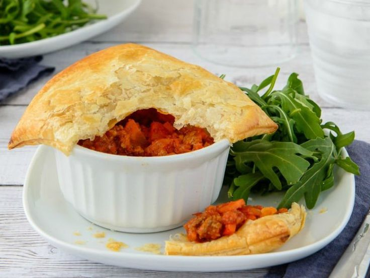 Read our delicious recipe for Mini Meat Pies, a recipe from The Healthy Mummy, which is a safe and yummy way to lose weight.