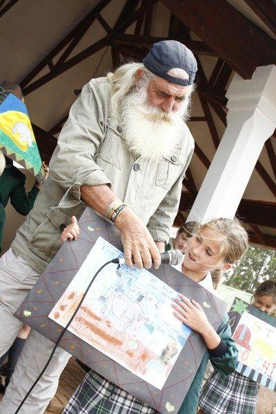 Kingsley Holgate promotes Rhino Art Project at Uplands College | Lowvelder