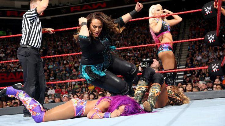 Raw 5/1/17: Bayley, Sasha Banks, Mickie James & Dana Brooke vs. Alexa Bliss, Nia Jax, Emma & Alicia Fox