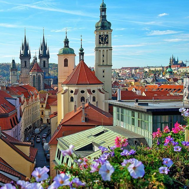 This beautiful picture is by @brianthio  Location :  Prague , Czech Republic