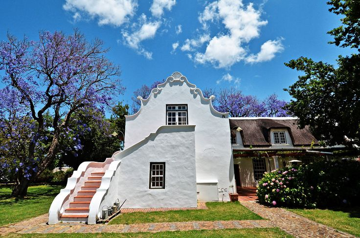 1692 Dutch manor house near Cape Town  interesting design!! I love the house, click the link!