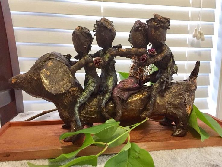 To Nana's House We Go www.gardeninspirations.ca #powertex #paverpol #gardensculpture #sculpture Gifted this to my dear work friend Laura who recently retired.  This represents her love for  dachshunds and her grandchildren.