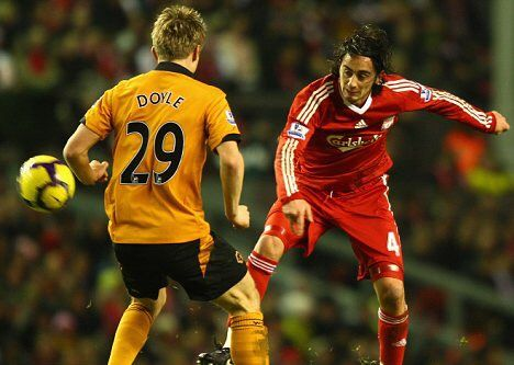 Liverpool 2 Wolves 0 in Dec 2009 at Anfield. Alberto Aquilani gets his first Liverpool start since joining from AS Roma #Prem