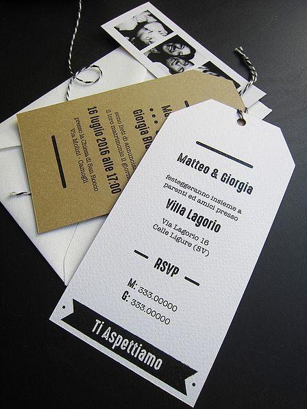 Partecipazioni tag black and white con striscia di fototessere