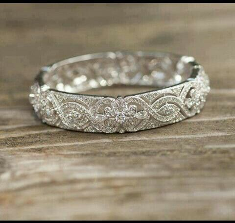 Dream wedding band. Would totally compliment a simple engagement ring.