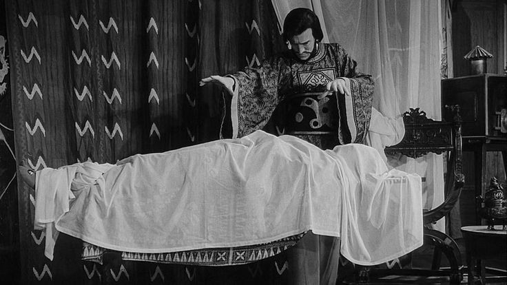 Ingmar Bergman's overlooked The Magician proved he was a master ...