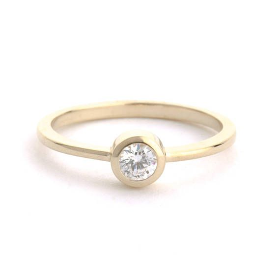 Solitaire Diamond Ring 18k Round solitaire  ring Diamond