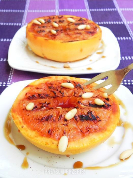 Grillowany grapefruit z syropem klonowym