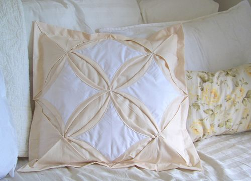 Cathedral Windows Pillow Sham by PioneerValleyGirl, via Flickr