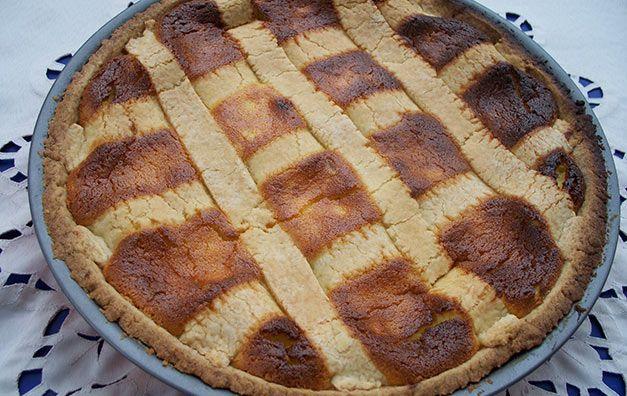 Nel periodo di Pasqua inizia la produzione, nelle cucine del Molise, della deliziosa pastiera. Ecco per voi la ricetta tradizionale.