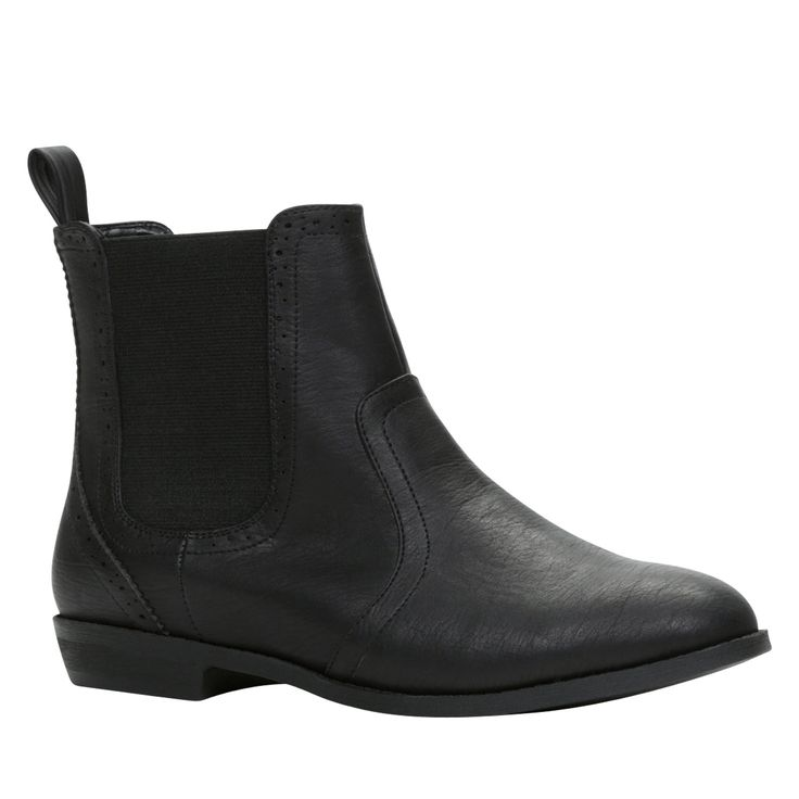 VIGGO DCS: 11-02-01 Make your outfits look more modern and stylish with these faux-leather Chelsea boots. - Chelsea boot. - Side elastics. - Pull-tab for easy access. - Round toe.