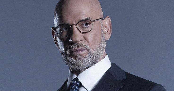Mitch Pileggi Returns as Skinner in X-Files Season 11 -- Mitch Pileggi has finalized his deal to return as Mulder and Scully's boss Walter Skinner in The X-Files Season 11. -- http://tvweb.com/x-files-season-11-cast-mitch-pileggi-walter-skinner/