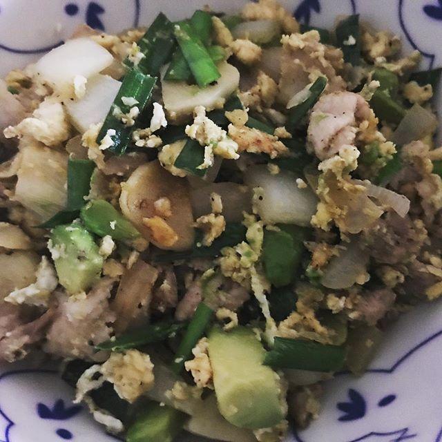 #アボカド #豚肉 #ニンニク #卵 #炒り卵 #ニラ #肉 #焼肉 #男の料理 #avocado #pork #garlic #egg #bbq #mancooking #instagood #instafood