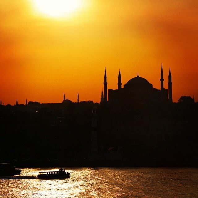 We love it when we are chasing the sunset! Hagia Sofia in the background creates a magical atmosphere!  Photo Credits: @ftbletsas  #Celestyalcruises #sunset #HagiaSofia #magical #cruise #travel #travelphotography