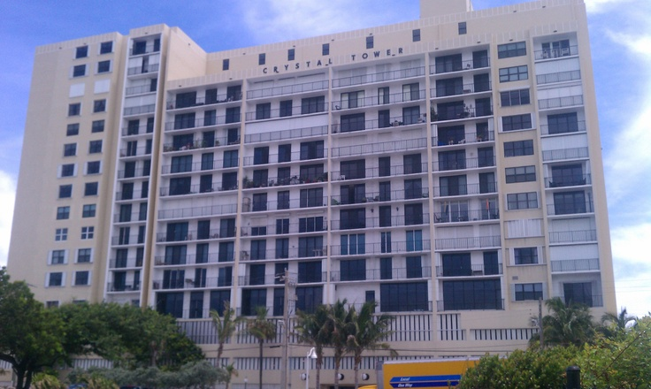Crystal Tower, Hollywood Beach, FL http://clubcabeza.blogspot.com/