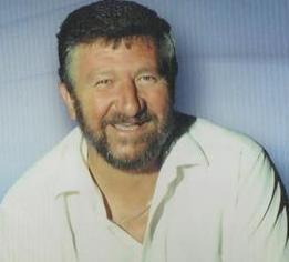 Tertius Willem Jacobus (Tolla) van der Merwe: (Clanwilliam, 21 Augustus 1943 - naby Belfast, Mpumalanga, 7 Augustus 2000) was 'n bekende Afrikaanse televisiepersoonlikheid, storieverteller en komediant. Hy was gereeld op SAUK2 se program Maak 'n Las te sien. Hy is in 2000 in 'n motorongeluk oorlede.