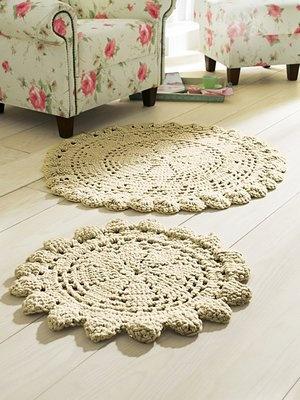 A doily rug (no pattern)