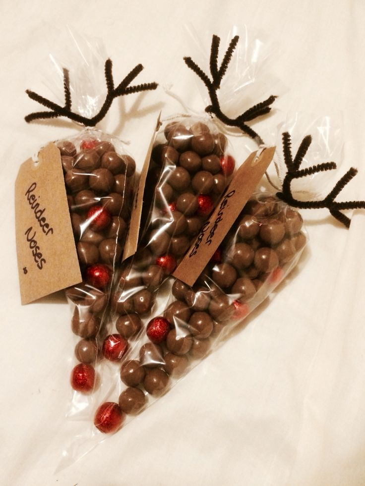 """Christmas Reindeer """"Noses"""" as a gift - with Malteasers and Red chocolate balls"""