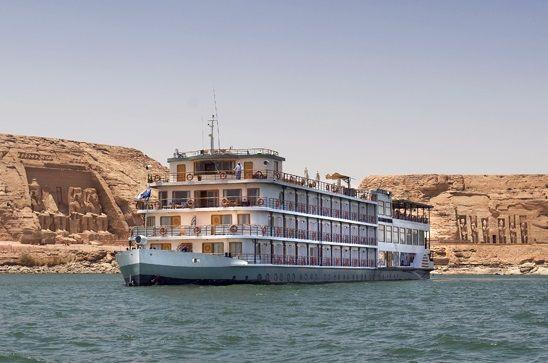 Crucero por el lago Nasser, Excursiones para discapacitados en Egipto. http://www.espanol.maydoumtravel.com/Viajes-y-Tours-a-Egipto/4/0/ http://www.espanol.maydoumtravel.com/paquetes-cruceros-nilo-Egipto/9/0/
