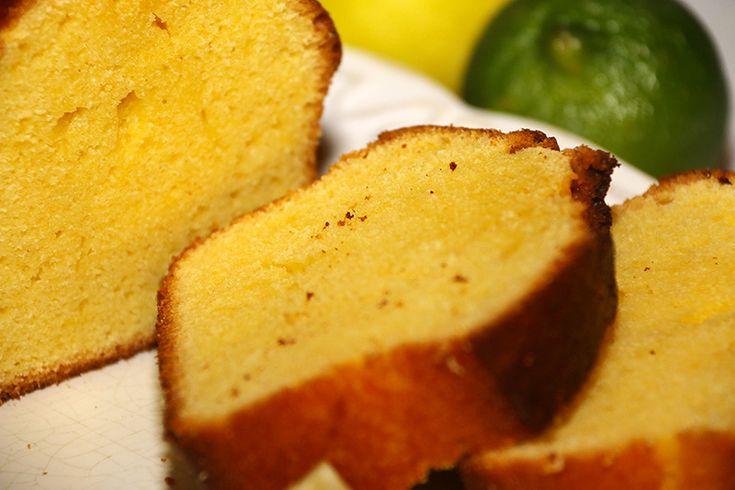Un cake absolument savoureux et moelleux que nous avons eu plaisir à déguster autour d'une bonne tasse de thé ! Les petites madeleines vous connaissez, mais quand j'ai vu cette recette sur le blog de mon amie Gut,