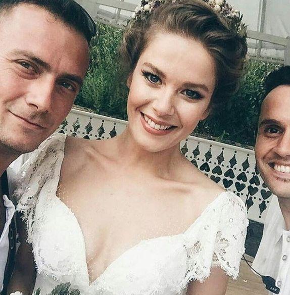 BeyazBegonvil: Burcu Biricik ve Emre Yetkin Evlendi