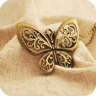 Free shipping new fashion accessories vintage HOTcutout butterfly pendant necklace chain long animal jewelry charms carved women