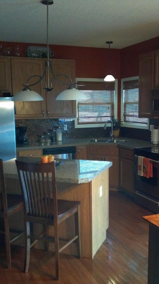 Perfect A Satisfied Customer In Wentzville Sent Us This Picture Of Her Updated  Kitchen! Recycled Glass Countertops With A High Glass Mosaic Backsplash.
