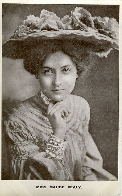 Maude Fealy (1883-1971), American stage & silent film actress, photographed in 1902