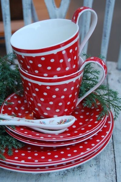Red polkadot CUPS and SAUCERS | tea time | re-pinned by http://www.cupkes.com/