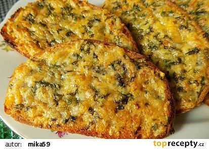 Zapečený bylinkový chleba recept - TopRecepty.cz