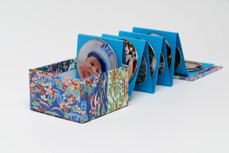 37. Foto vzpomínky v kostce balené - fotomagnetky Přemýšlíte nad netradičním dárkem? Nabízíme vám jednoduché řešení. Vyrobte si sadu deseti magnetických fotografií v zajimavém balení. Sada může sloužit jako netradiční dárek pro babičku, tetičku, kamarádku, kolegu... pro každého, koho chcete potěšit osobním dárkem. ...
