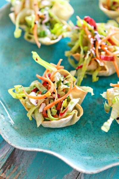 Asian Salad Wonton Cup Appetizers by Good Life Eats ~ Yummy appetizer! #appetizers #partysnacks #recipe