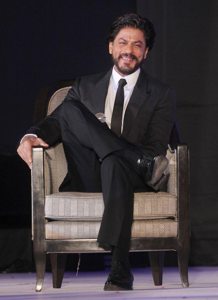[*HQ* Pic-3 ] - Shah Rukh Khan [ @iamsrk ] at launch of #Gitanjali's 'Ticket to Bollywood' in #Mumbai 19.07.2014.. pic.twitter.com/84F00p6Hln