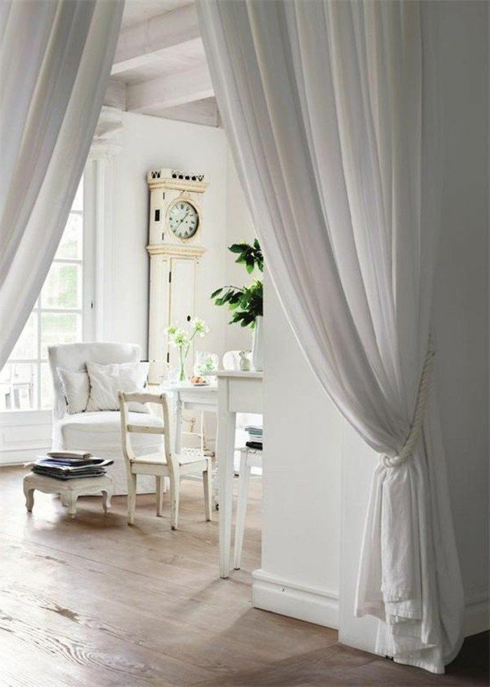 cloison amovibe leroy merlin pas cher avec rideau beige, comment séparer la salle à manger