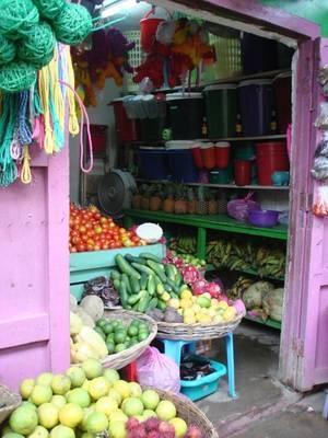 Shopping in San Juan del Sur, Nicaragua