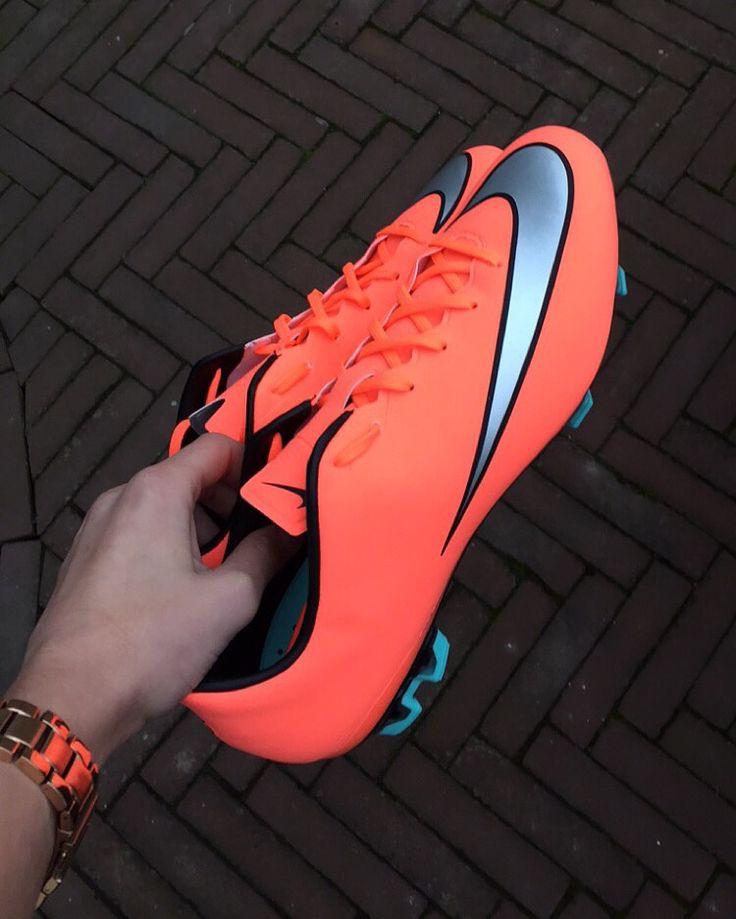 [ p i n t e r e s t ]✦тonιαkιnbα✦† Nike Mercurial Veloce FG