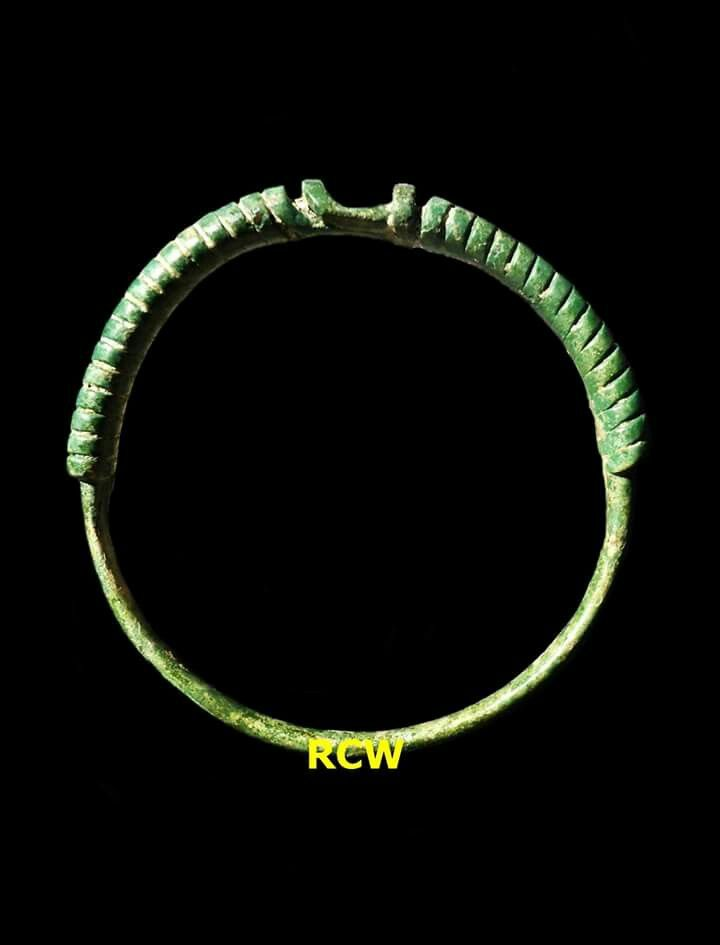 Twisted Bracelet; bronze; diameter 4,5cm; Found in Made-Jombang regency-East Java province; Indonesia; estimate circa 11th - 12th century.