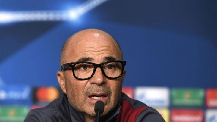 Bernd Schuster is sure. Jorge Sampaoli is the ideal candidate to replace Luis Enrique on Barcelonas bench if the Asturian