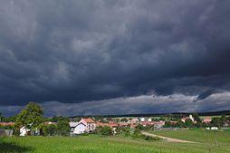 Pohled na obec od jihovýchodu