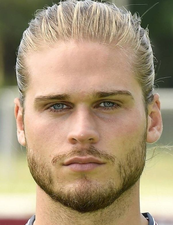 Rurik Gislason Fernando Llorente Aaron Ramsey Alexandre Lacazette Yoann Gourcuff Xabi Alonso Van Beautiful Men Faces Hair And Beard Styles Beautiful Eyes