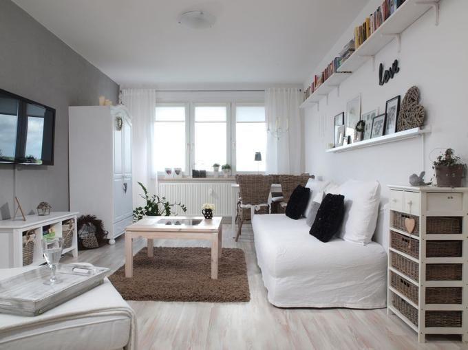 Aranżacja salonu w stylu skandynawskim. Salon w bloku ZDJĘCIA