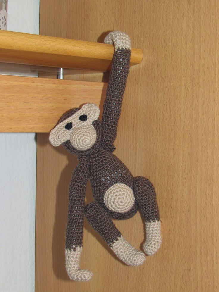 Ruth's lille blog: Indbydelse og hæklet abe