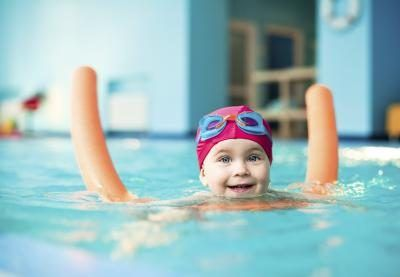 how to teach swimming lessons to kids