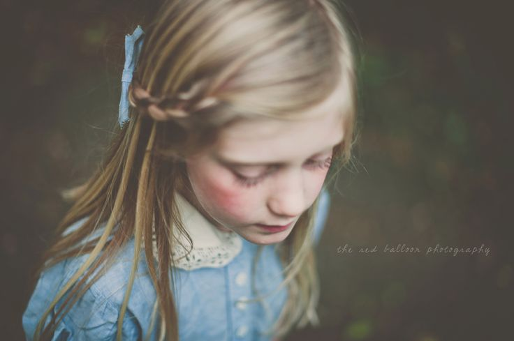 Gorgeous, gorgeous photography. http://www.theredballoonphotography.com: Blue Accent, Photography Alice, Little Girls, The Red Balloons Photography, Inspiration Portraits, Fair Girls, Dresses Blue, Gorgeous Photography, Photography Art Inspiration