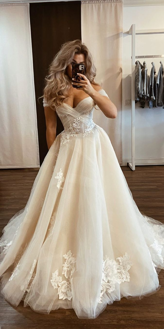 Mermaid Wedding Dresseslace Wedding Dresses And Bridal Wedding Gowns Mermaid Wedding Dre Wedding Dress Champagne A Line Wedding Dress Applique Wedding Dress [ 1350 x 675 Pixel ]
