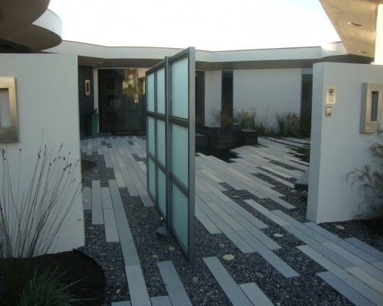 Pivoting gate!!  Modern Landscape Design, Pictures, Remodel, Decor and Ideas - page 26