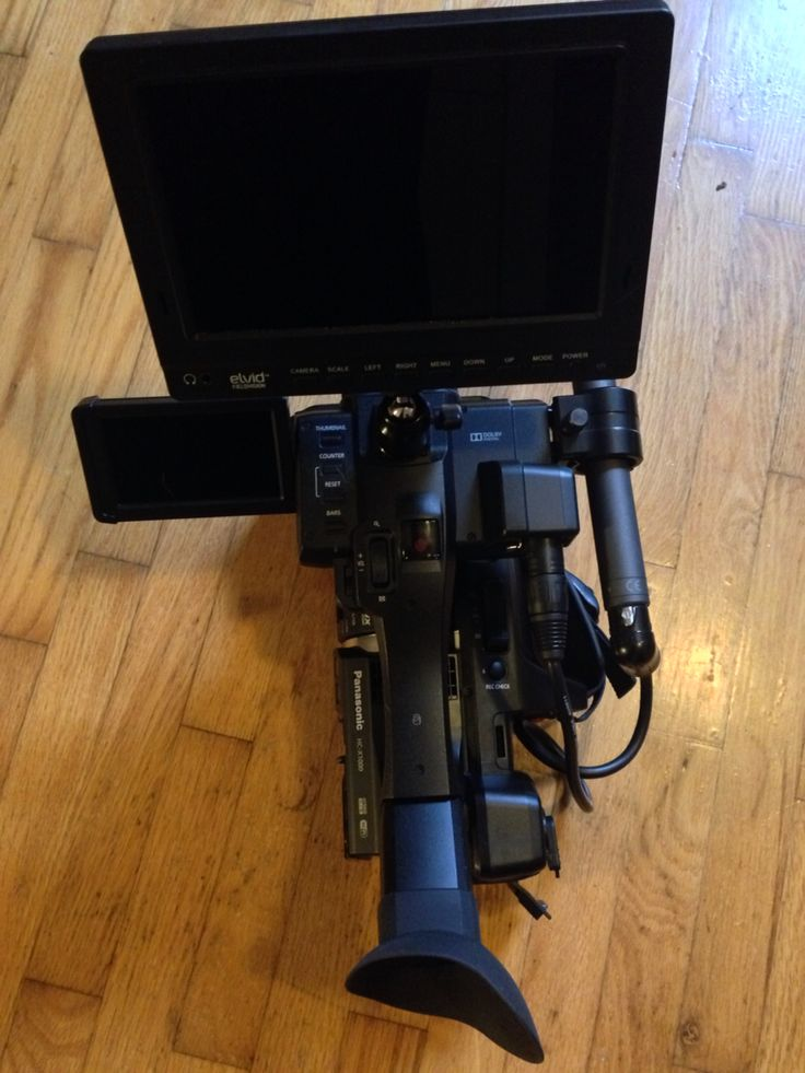 """Trying out this 7"""" Elvid camera monitor. For $259 U.S., it's a bloody good deal for what you get. #videoProduction #filmmaking"""