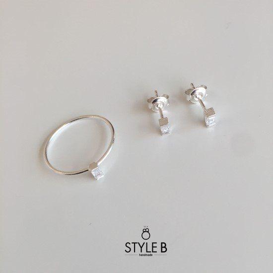 [Rings] 바게트 큐빅 반지 / Baguette cubic ring 직사각의 바게트 모양으로 컷팅된 큐빅을 셋팅한 반지...